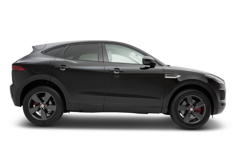 יגואר E-PACE Shadow Edition